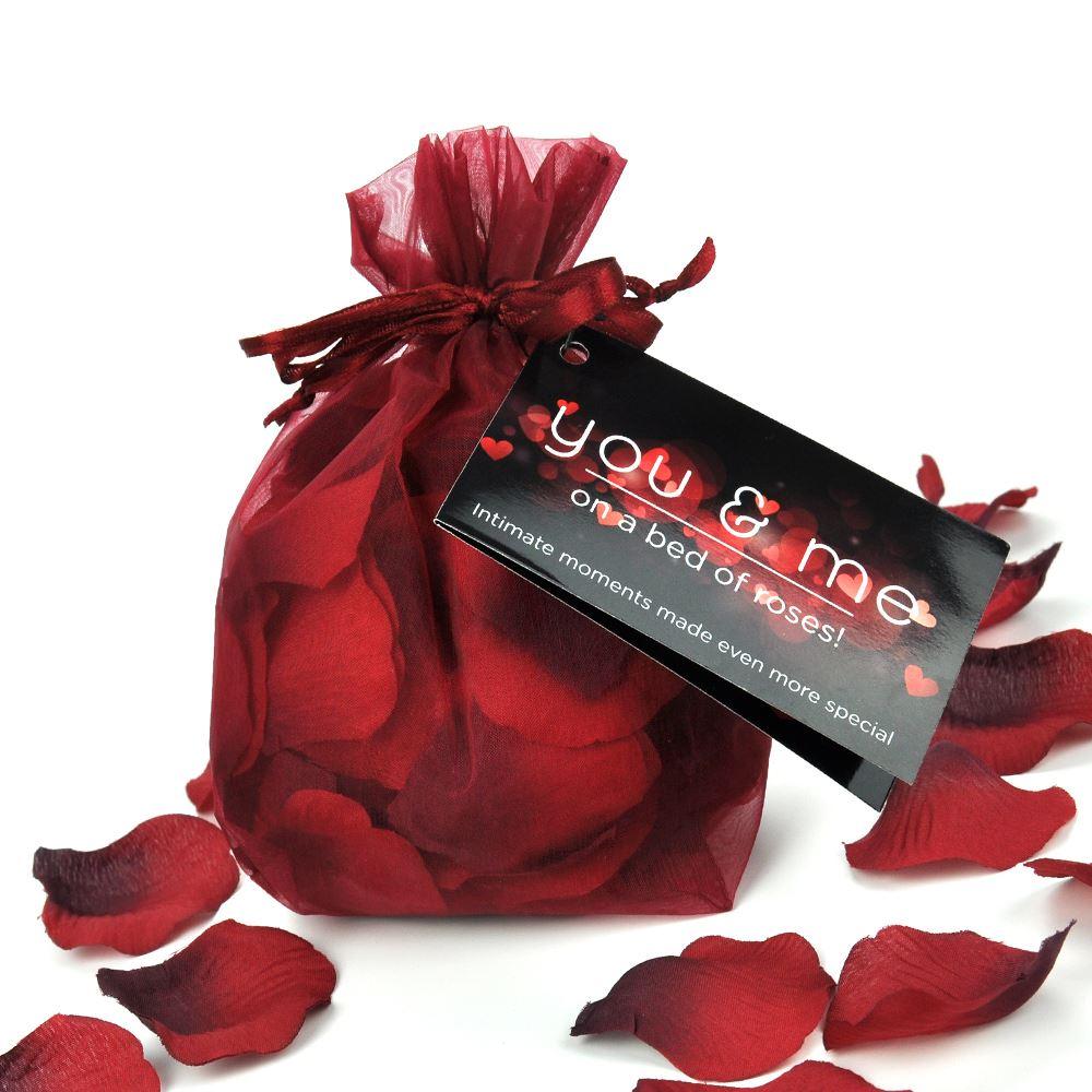 0013134_you-me-on-a-bed-of-roses_dxweyp3gi2nvbau2.jpeg
